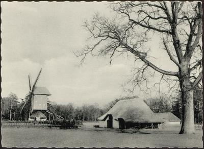 Kempisch dorpsplein met gerechtsboom, schuurtje met dwars geplaatste dorsvloer, uit Mol-Sluis, en standerd-windmolen uit Mol-Millegem, 1788