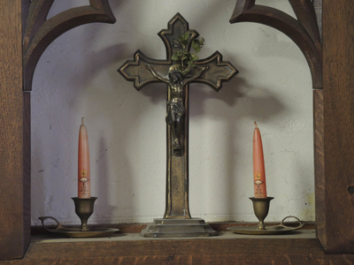 kruis in nis waterkast