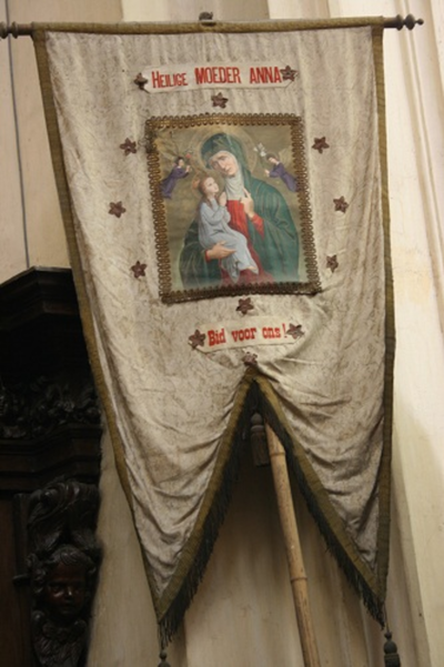Vaandel op stok ter ere van de heilige Anna