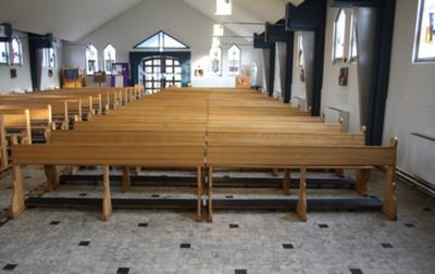 Achtenzestig kerkbanken