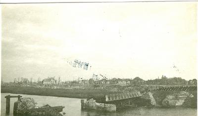 Vernielde brug in Diksmuide (1915).