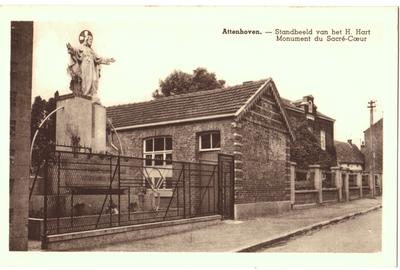 Attenhoven, standbeeld van het H. Hart. Monument du Sacré-Coeur