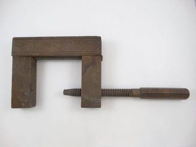 Handwerktuig voor het vastklemmen van onderdelen