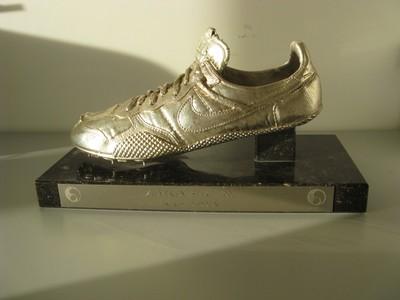 Zilveren spike uit 1991 van meerkampster Ingrid Didden