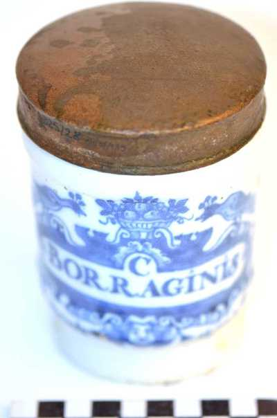 Delfts blauwe apothekerspot; C BORRAGINIS en CHLORAS POTASS: