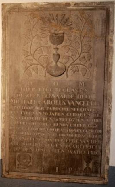 Grafsteen van pastoor M.G. Vangeleen