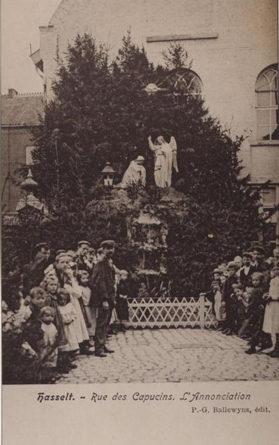 Foto: straatversiering: Onze-Lieve-Vrouw Boodschap, Capucienenstraat (Virga Jessefeesten, Hasselt, 1905)