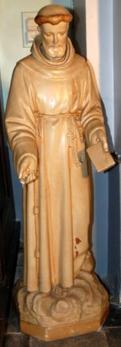 Plaasteren beeld Franciscus van Assisi