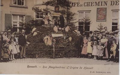 Foto: straatversiering: De opkomst van Hasselt, Maagdendries (Virga Jessefeesten, Hasselt, 1905)