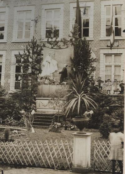 Foto: straatversiering: Toevlucht van de zondaars, Lombaardstraat - Groenplein (Virga Jessefeesten, Hasselt, 1912)
