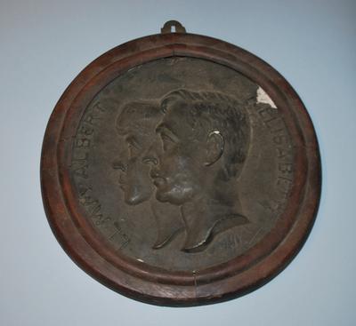 Jef Borremans, Medaillon met hoofden van Albert I en Elisabeth