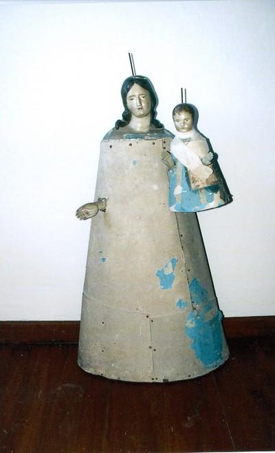 gekleed beeld H. Maria en kind Jezus
