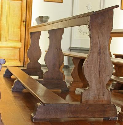 Vier knielbanken
