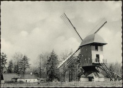 De standerd-windmolen uit Mol-Millegem, 1788 en het Kempisch boerderijtje uit Helchteren, 1815
