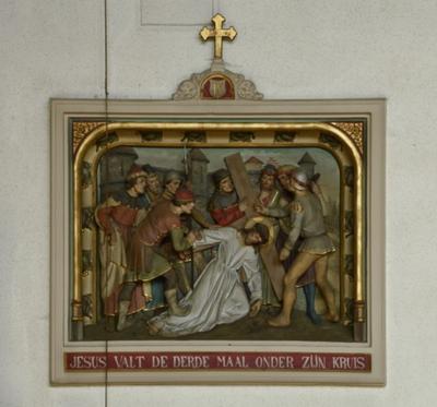 Statie 9: Jezus valt voor de derde maal onder zijn kruis