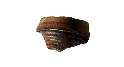 Fragment van drinkkruik uit Langerwehe, met kraagrand.