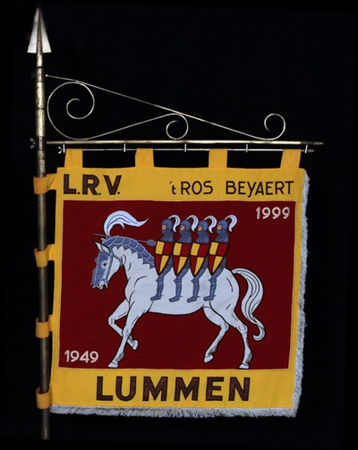 Banier van rijvereniging 't Ros Beyaert 1999
