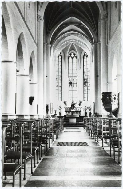 Balen-Neet Sint-Andreaskerk, binnen aanzicht