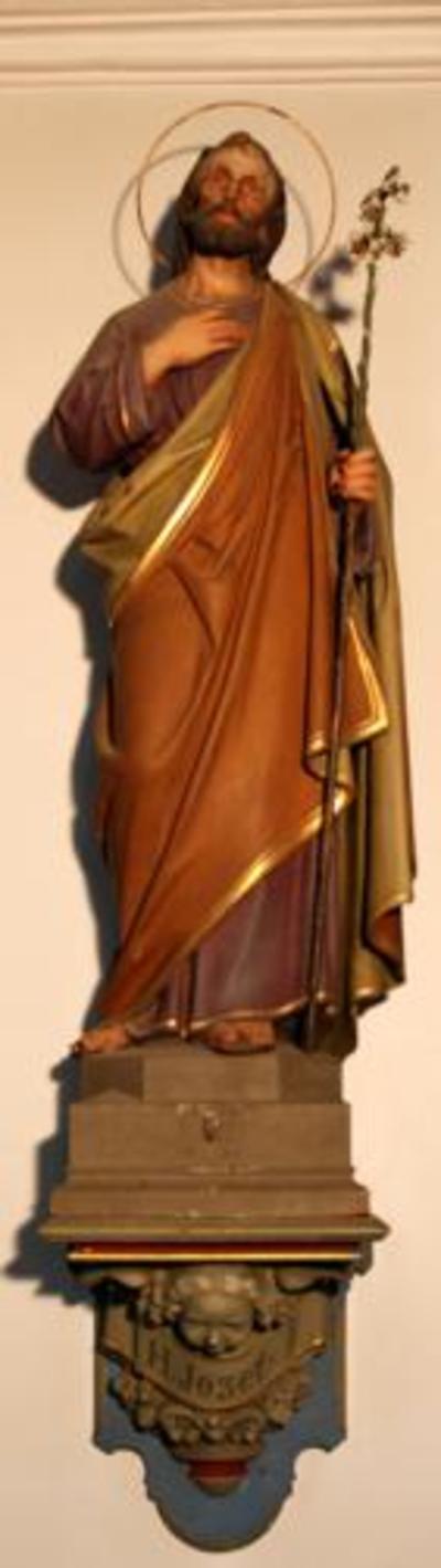 Houten beeld van Sint Jozef.