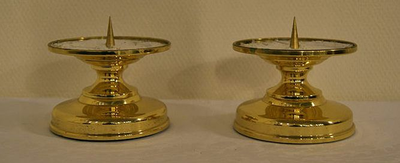 Twee altaarkandelaars
