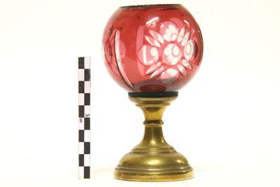lamp - godslamp in geelkoper en rood glas