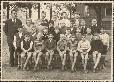 Jongensschool Eisden Tuinwijk, klasfoto 3de leerjaar