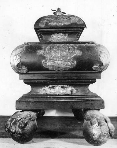 schrijn, reliekschrijn in hout en zilver van HH. Johannes Nepomucenus en Rochus