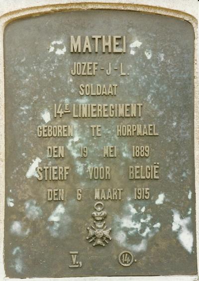 Foto's grafsteen van Mathei Julien