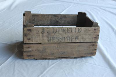 Kist van de handelaar Lowette uit Jesseren om fruit in te verpakken