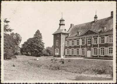 St Maria Gesticht Hoepertingen Hoe frisch bij de bron. Institut Ste Marie Houppertingen Dans la fraîcheur de la source.