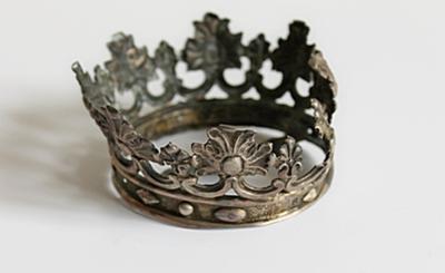 Een kroon van een beeld