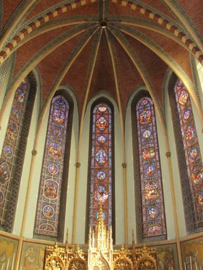 Glasramen van het koor