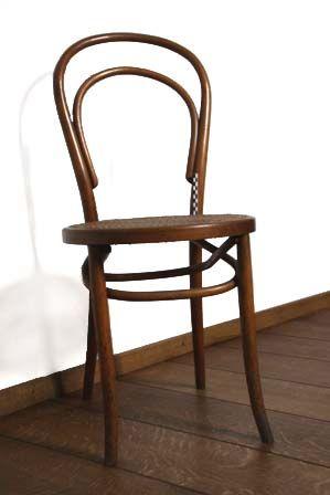 1 stoel - thonet + 1 ontbreekt