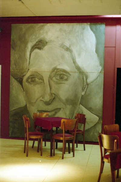Geschilderd portret inkomhal Theater Corso