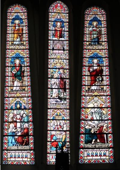 Glasramen koorgedeelte kerk