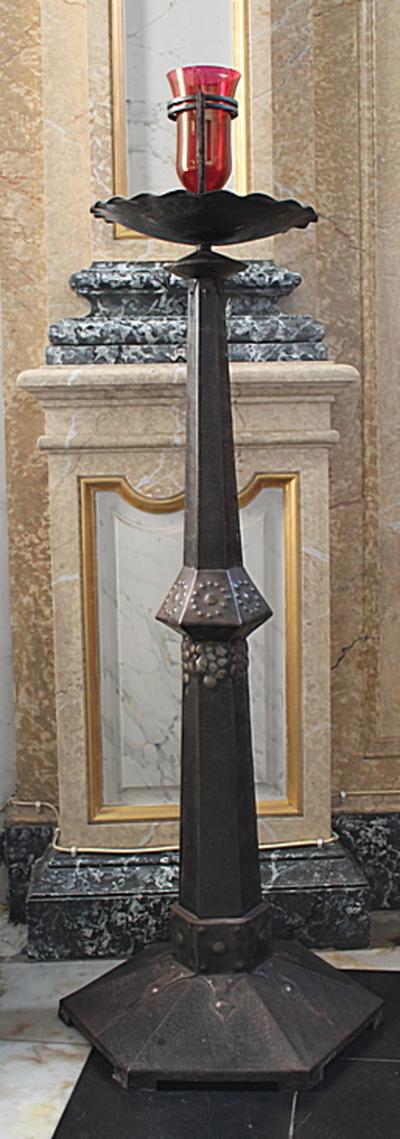 Godslamp met zeshoekige voet