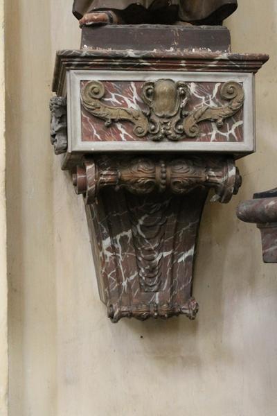 Sokkel voor het beeld van de heilige Leopoldus van Porto Maurizio.