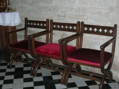 stoelen voor lectoren hoogkoor