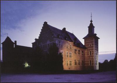 Borgloon (Rijkel). Kasteel. Dit 16de eeuws kasteel, in oorsprong een versterkt herenhuis, was de woonst van de heren van Rijkel. In de architectuur herkent men zowel de invloed van de Maaslandse renaissance als de Brabantse traditionele architectuur. Momenteel zijn in het kasteel Monumentenwacht, Toerisme Haspengouw en het Provinciaal Centrum voor Cultureel Erfgoed gehuisvest