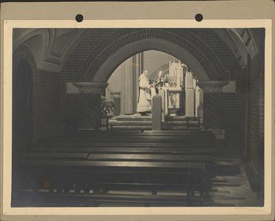 Pastoor Jan Peeters. Misviering Sint-Barbarakerk.
