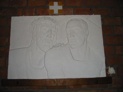 Statie 5 - Simon van Cyrene helpt Jezus het kruis te dragen