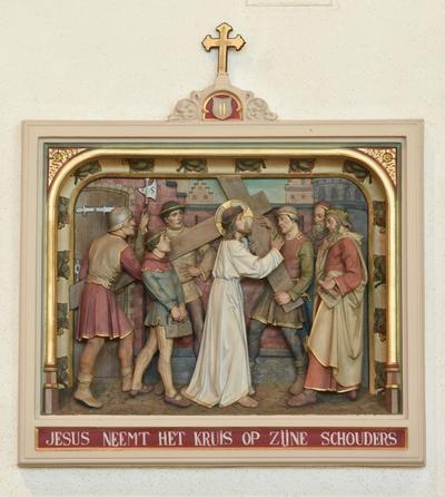 Statie 2: Jezus neemt het kruis op zijn schouders