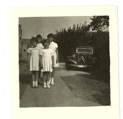 Kinderen bij Citroën Traction Avant