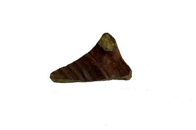 Fragment van schenkkan in Brunssum-Schinveld aardewerk.