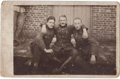portret drie militairen, waaronder Koopmans, Attenhoven