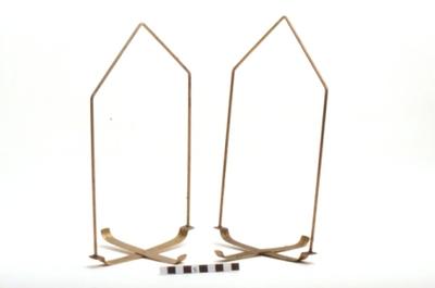 Bascule met goudkleurige schaaltjes - houders