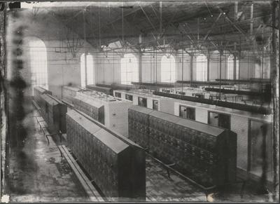Steenkoolmijn Limburg-Maas. Badzaal (1930).