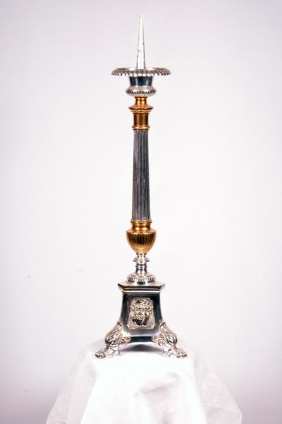 Set van zes altaarkandelaars