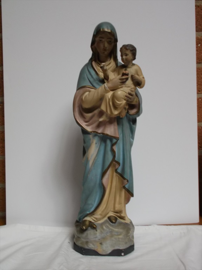Mariabeeld met Christuskind op de arm