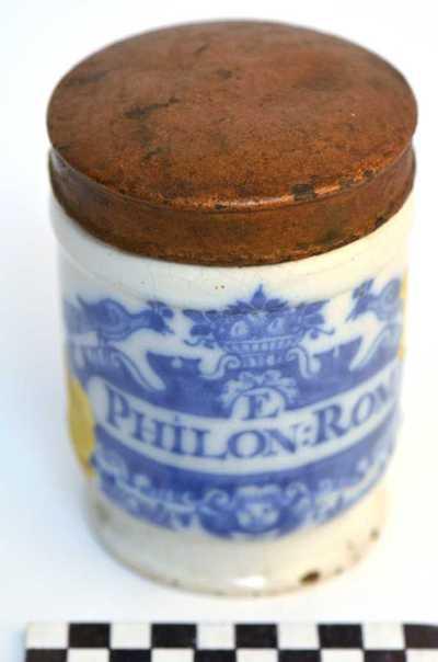 Delfts blauwe apothekerspot; E PHILON:ROM: